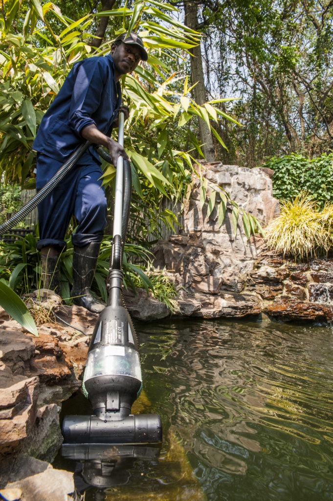pond vacuum cleaner waterhouse